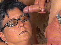 Hot busty mom loves deep pussy fisting.